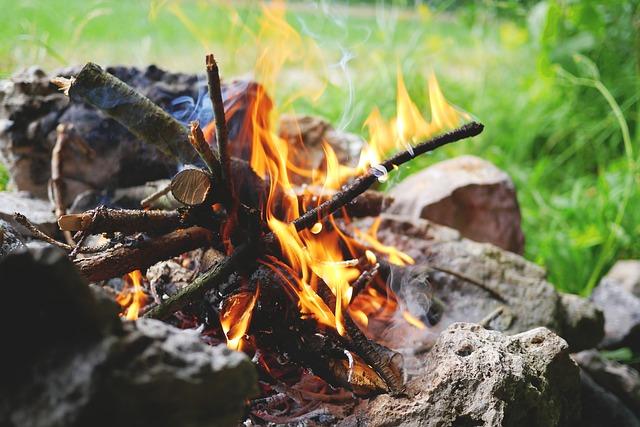 fire-842311_640